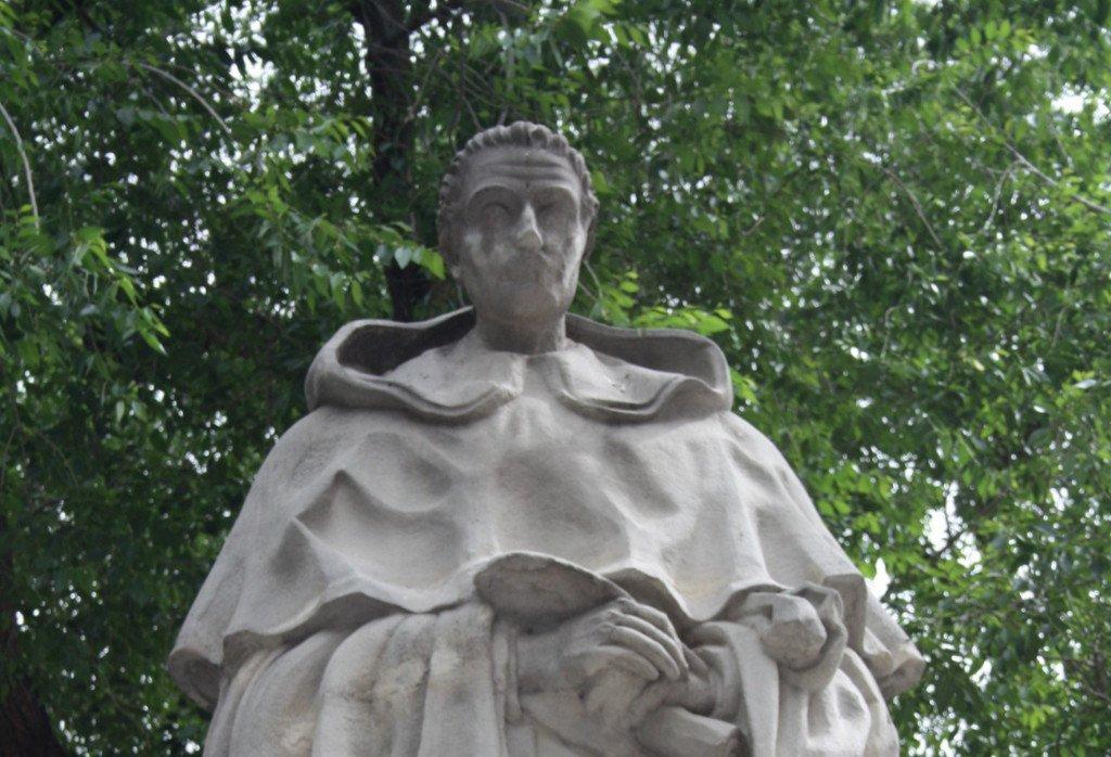 Monumento a Tirso de Molina (1)