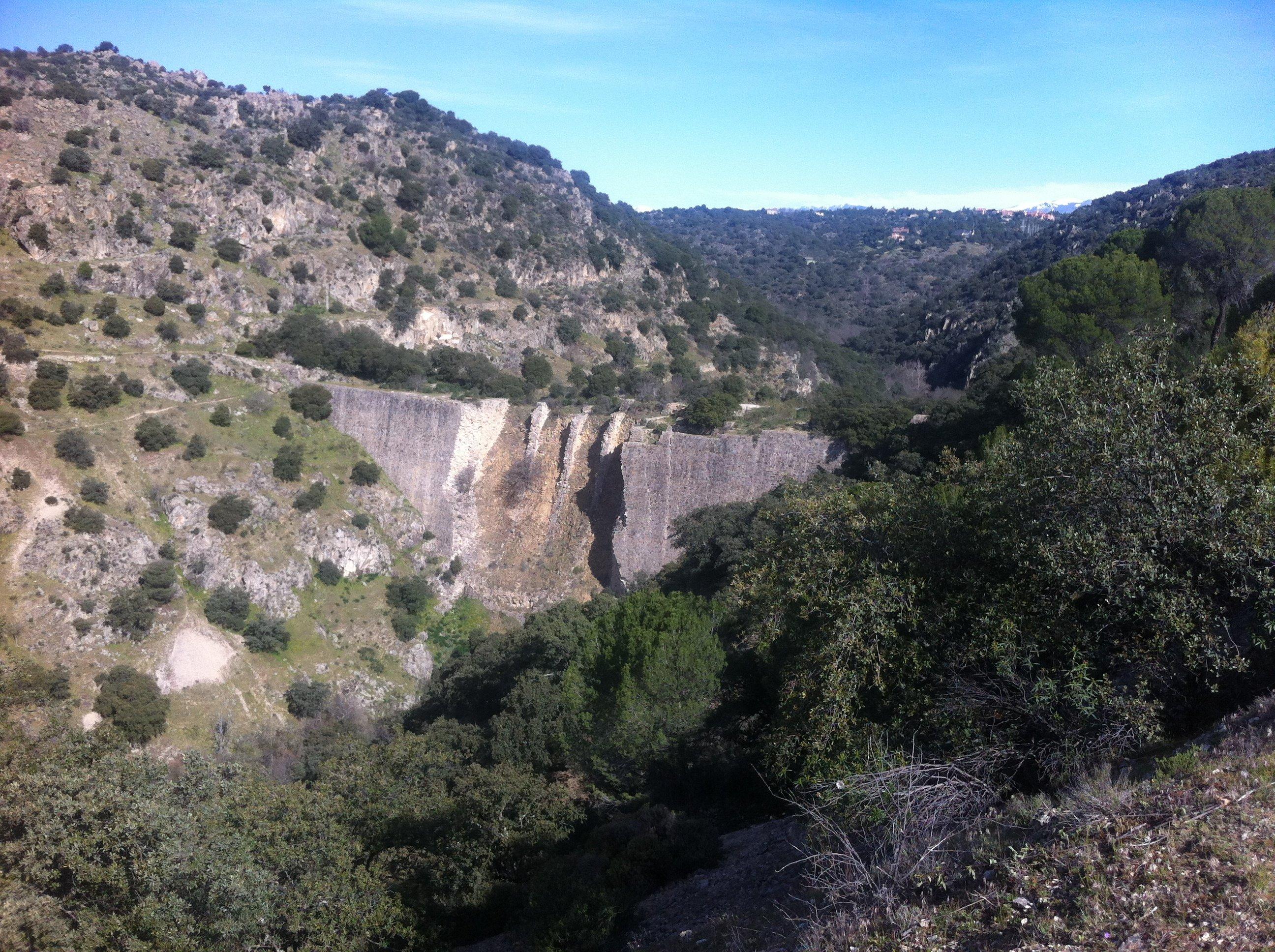 La presa del Gasco y la atalaya de Torrelodones